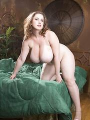Brunette showing her big hot body