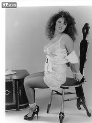 Big boobs, big hair bondage babe! 1970s fetish fantastique!