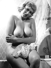 Lovely big boobs! Curvy 1950s style!