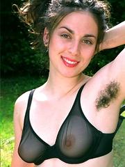 big hairy girls hairypussyfetish.com