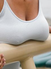 Ella Knox girl with natural giant boobs