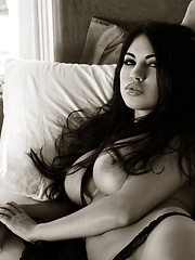 Danni Kalifornia - shows off her stunning curves in black and white