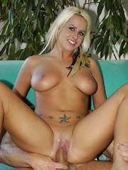 Natural breasted, Jordan Taylor loves to fuck!