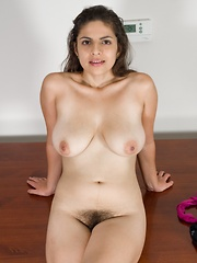 Anastasia Cheery gets naked on her wood table