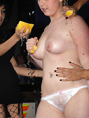 Young fat nudist girls still nude in the night